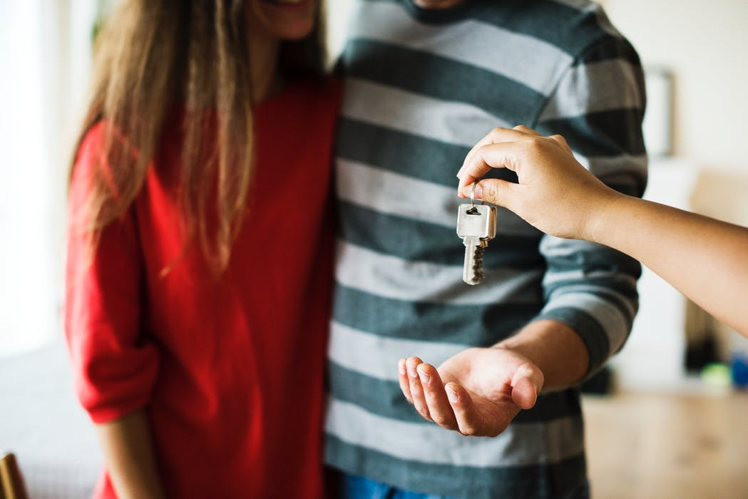 How a Conveyancer in Campbelltown Can Help You