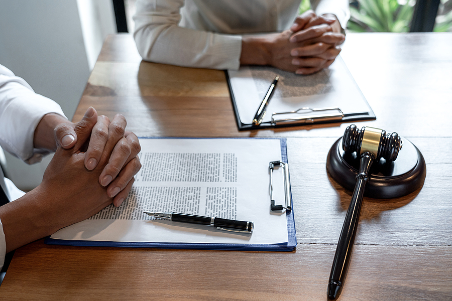 Couple consulting a family law solicitor in Sydney